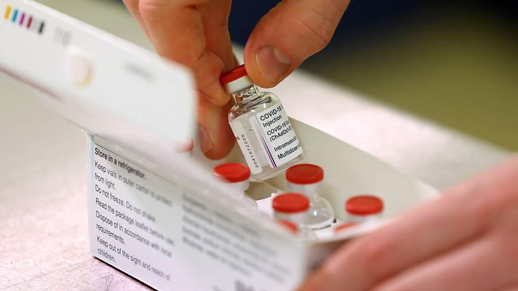 Grossbritannien bereitet Impfungen mit Astrazeneca-Impfstoff vor