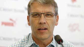 HSV-Sportdirektor Peter Knäbel nimmt die Schuld am Fall Sanogo nicht auf sich.