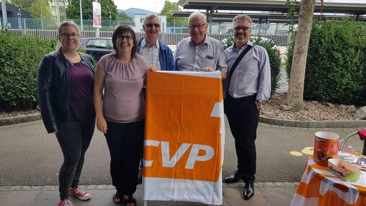 von links nach rechts: Therese Schenker;  Muriel Jeisy-Strub; Fritz Siegrist; Martin Henzmann; Konrad Schenker; nicht auf dem Bild, Elisabeth Grui.