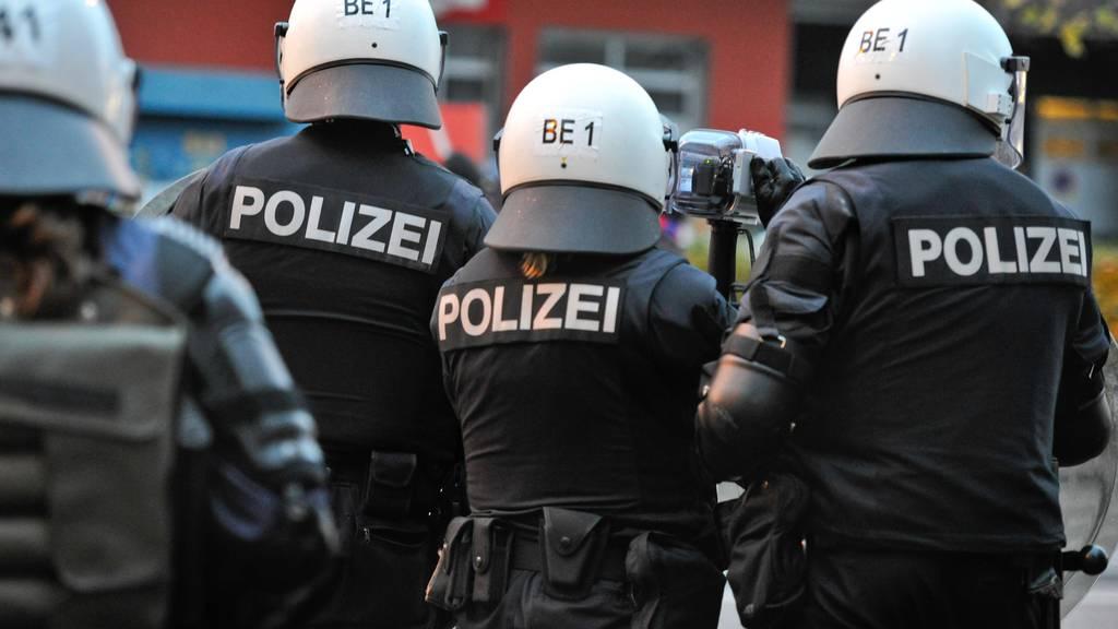 Nach den Testspielen am 27. Januar hatte es die Polizei mit Fan-Krawallen zu tun. (Symbolbild)