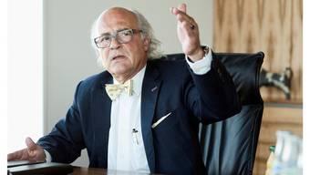 Bei einer Wahl würde Klaus Endress (FDP) die jahrzehntelange SP-Herrschaft im Reinacher Gemeinde-Präsidium beenden.