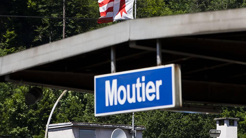 Das Berner Städtchen Moutier stimmt im kommenden Jahr erneut über einen Wechsel zum Kanton Jura ab. (Archivbild)