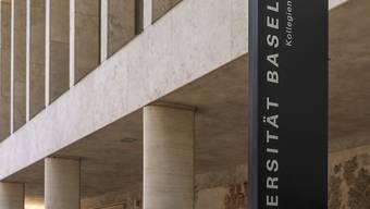 Die Universität Basel muss über die Bücher und die Studienaufnahme des Irakers neu beurteilen. (Archivbild)