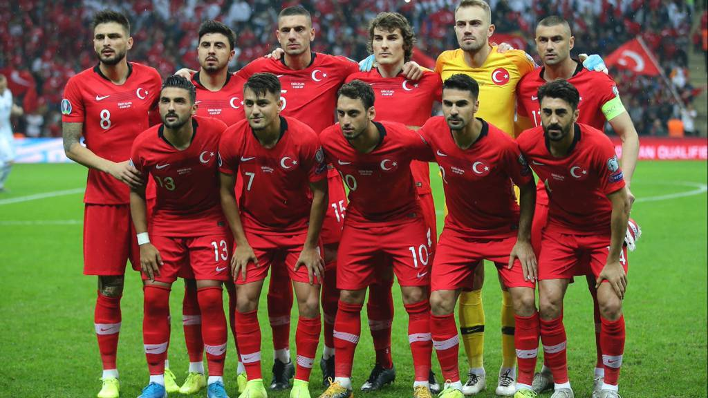 Türkische Nationalmannschaft: Mit diesen Stars muss sich die Schweiz heute messen