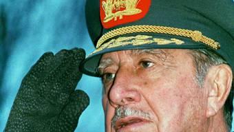 Der chilenische Diktator Augusto Pinochet (1989/Archiv)