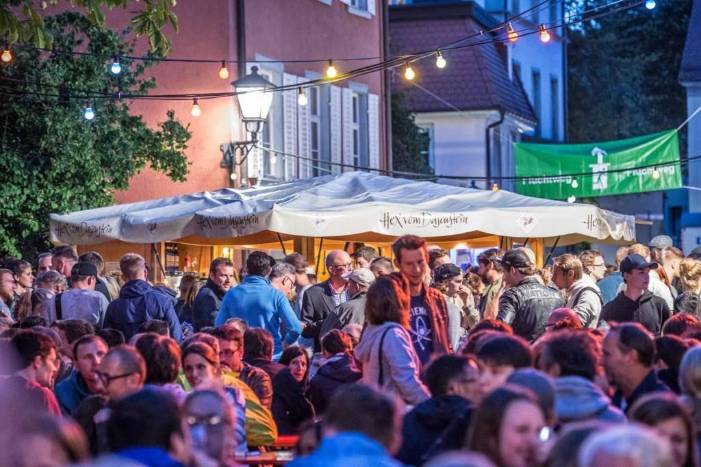 Wein und Musik: Dieses Wochenende in Konstanz. (© Facebook/Konstanzer Weinfest)