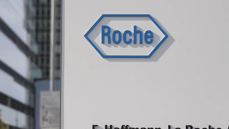 Meldungen zufolge steht der Basler Pharmariese Roche vor einer Milliarden-Transaktion in den USA. (Archivbild)