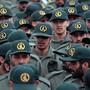 Die Revolutionsgarden sind im Iran laut Verfassung die Eliteeinheit der iranischen Streitkräfte und seit mehr als drei Jahrzehnten weitaus wichtiger als die klassische Armee. (Archivbild)