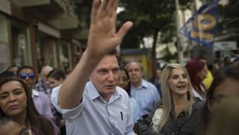 Als neuer Bürgermeister will er aufräumen in Rio - mit Schwulen und mit dem organisierten Verbrechen. Auch auf Katholiken ist der Evangelikalen-Pfarrer und Gospelsänger Marcelo Crivella nicht gut zu sprechen.