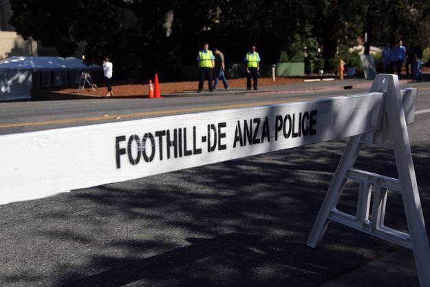 Die Sicherheitsvorkehrungen am Dienstagmorgen in Cupertino, Kalifornien, sind enorm.