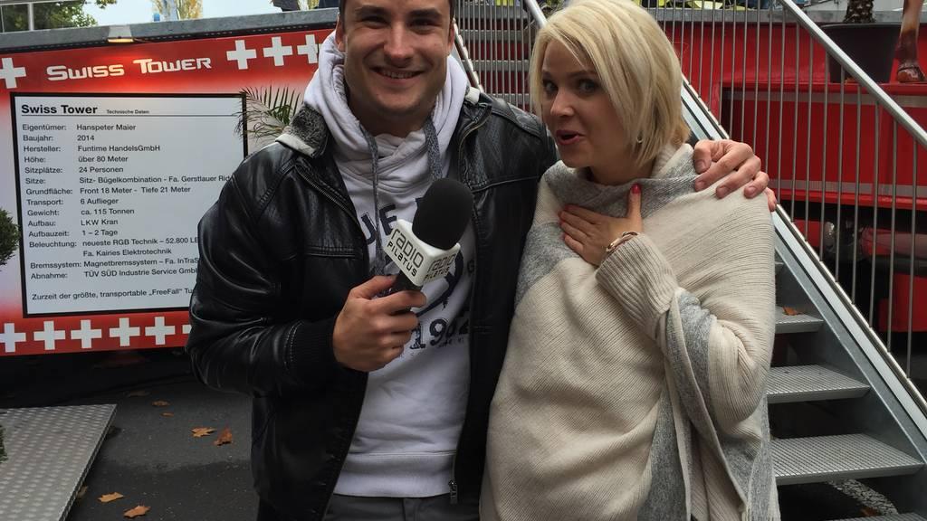 Auf dem Swiss Tower mit Miss Schweiz Kandidatin Michèle Rösch
