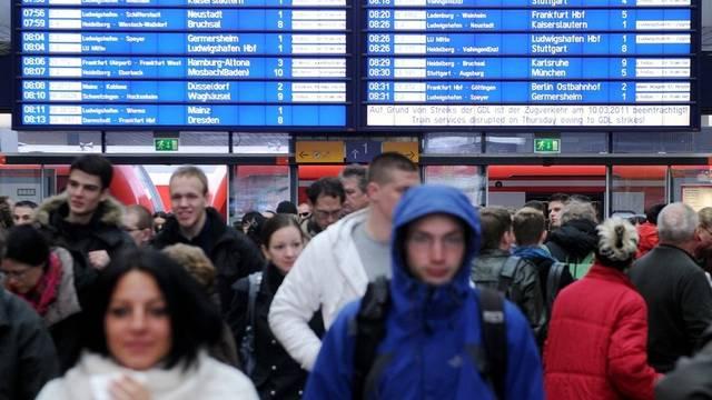 Bis Dienstag sollen Bahnreisende von Streiks verschont bleiben