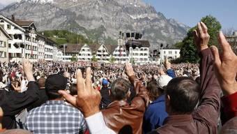 Landsgemeinde in Glarus: Direkte Demokratie live (Archiv)