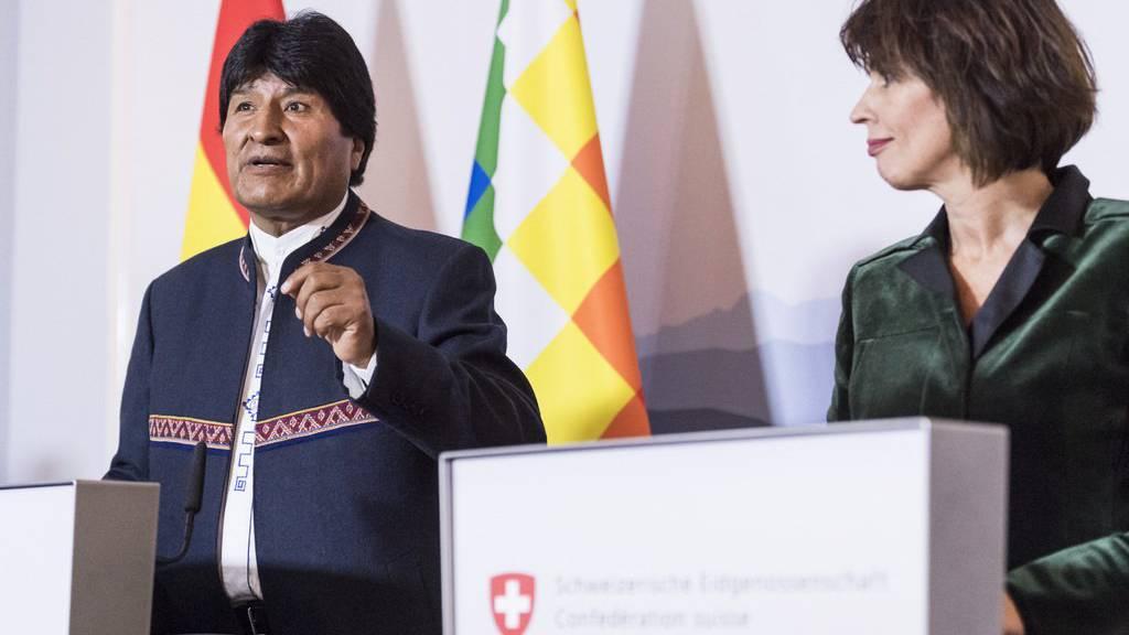 Der bolivianische Präsident Evo Morales ist derzeit zu Besuch in der Schweiz. Er bewirbt unter anderem das Bahnprojekt, für das Stadler Rail gerne liefern würde.