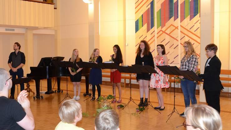 Die Konzertierenden: Caesar Oetterli, Lena Gramlich, Lea Loretz, Ashanty Huber, Rebecca Rutschi, Cheryl Bucher, Simea Lutz, Elia Rutschi