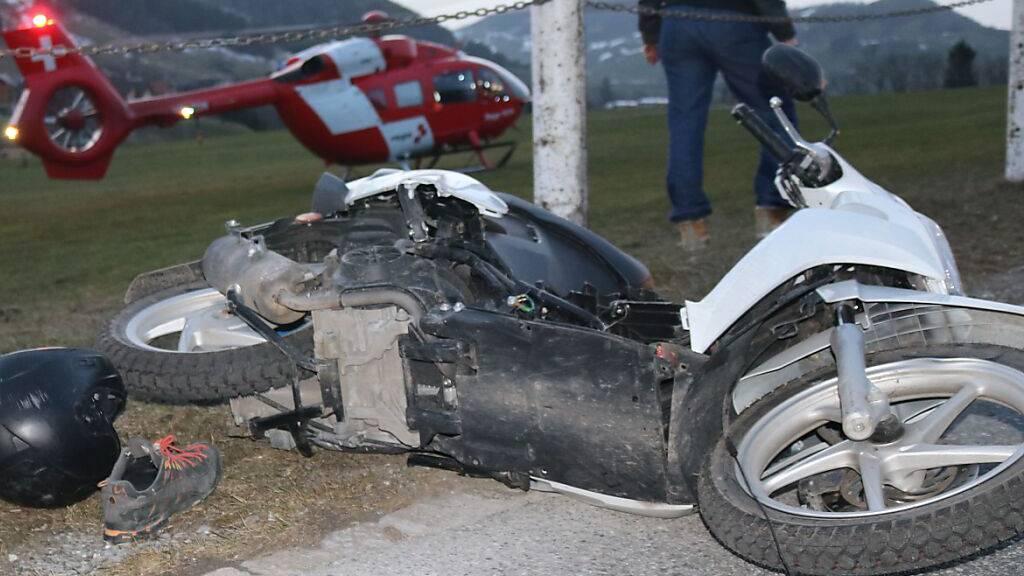 16-jähriger Töfffahrer bei Sturz in Steinegg verletzt