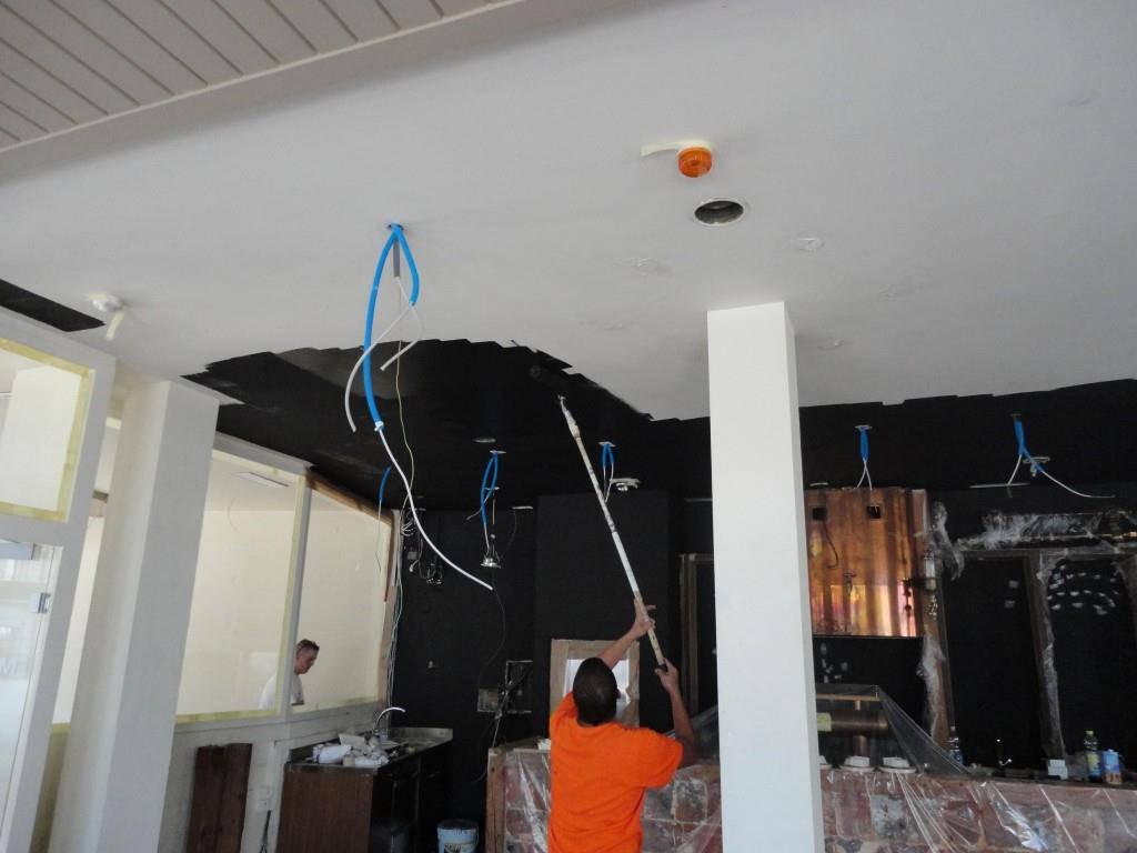 Der Umbau des Fanlokals (© zVg/Fanlokal-Kollektiv)