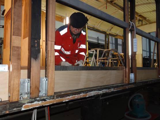Viele Teile mussten neu gefertigt werden und vermodertes Holz ersetzt