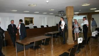 Der neue Gerichtssaal im Kornhaus stösst offensichtlich auf Interesse. lp