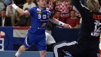 Islands Legende Valur Sigurdsson (links) beim Abschluss