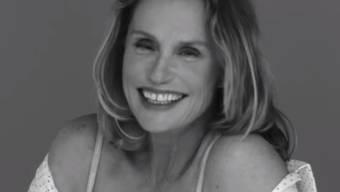 Die 73-jährige Schauspielerin Lauren Hutton modelt in der Unterwäsche-Kampagne von Calvin Klein, Sofia Coppola führt Regie. (Screenshot)