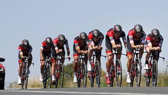 Das Team BMC auf dem Weg zum Sieg im Mannschaftszeitfahren