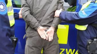 Die Grenzwächter konnten den Minderjährigen nach einer Fahndung der Zürcher Polizei festnehmen. (Symbolbild)