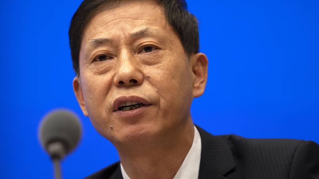 Yuan Zhiming, Direktor des Wuhan National Biosafety Laboratory, betont an einer Medienkonferenz vom Donnerstag noch einmal, das Coronavirus sei nicht aus einem Labor in Wuhan entwichen. China wehrt sich heftig dagegen, dass die WHO die «Laborleck-Theorie» noch einmal überprüft.