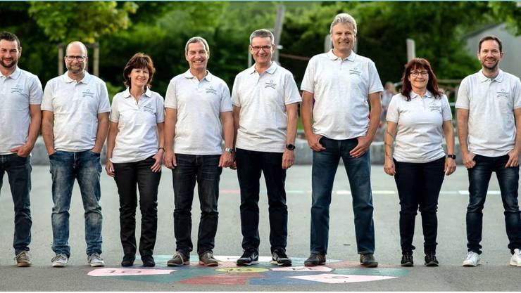 Das OK des Dorffests Staffelbach ist bereits in Stellung: Martin Hunziker, Christoph Schär, Käthi Herzig, Stephan Schönbächler, Fritz Müller (Präsident),  Stefan Morgenthaler, Silvia Morgenthaler und Guido Würsch (v.l.).