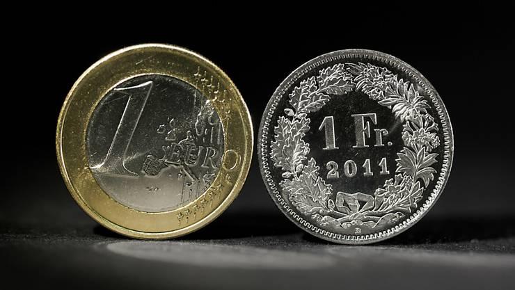 «Mit dem Entscheid, die Untergrenze aufzugeben, hat die Nationalbank nicht zuletzt ihr Vertrauenskapital gemehrt», schreibt Wirtschaftsredaktor Daniel Zulauf.