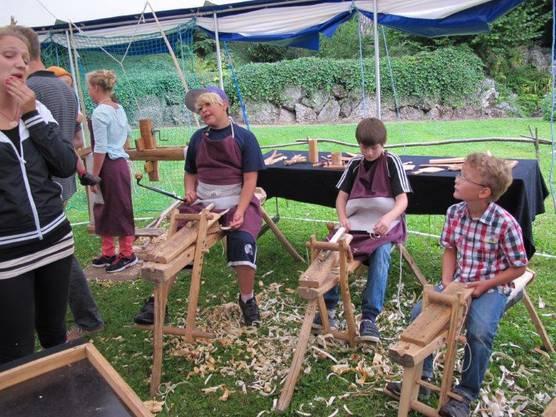 Grünholzwerkstatt reizt zum Mitmachen
