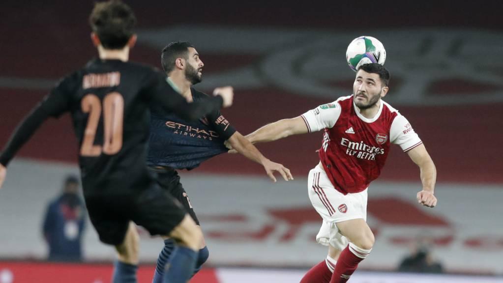 Bei Arsenal nicht mehr gebraucht: Sead Kolasinac (re.) kehrt leihweise zu Schalke zurück