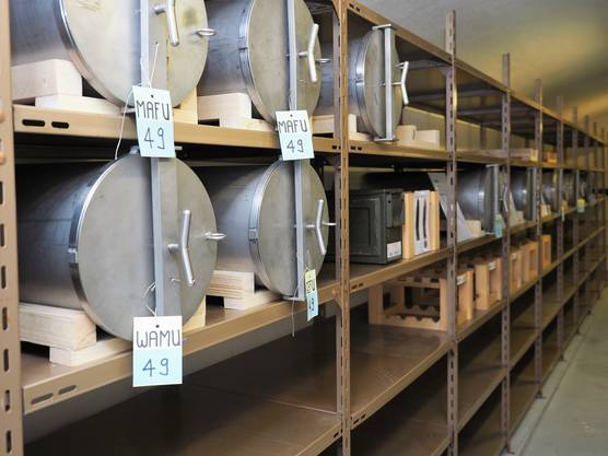 Die Bunker haben Tausende Besucher ins Villigerfeld nach Rüfenach gelockt.In diesen Stahlcontainern wurden die Ausrüstungsgegenstände der geheimen Widerstandsorganisation P 26 gelagert.
