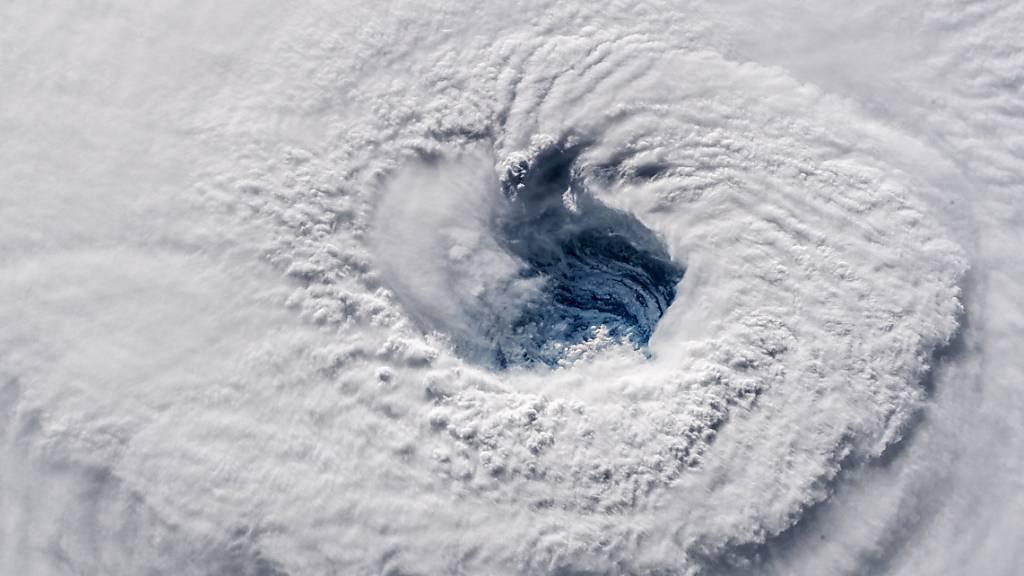 Swiss Re registriert mehr Schäden durch Gewitter und Waldbände