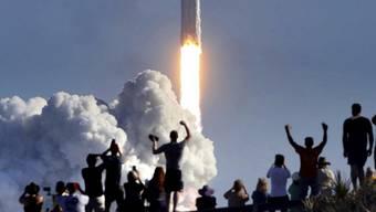 Der Transport von Objekten im zusammengefalteten Zustand spart in der Raumfahrt viel Geld.
