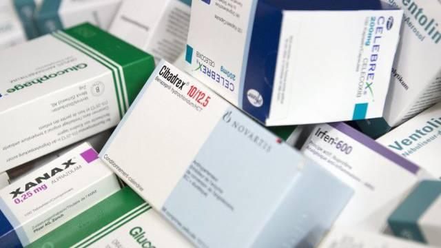 Bei den Margen auf Medikamenten liesse sich sparen (Symbolbild).