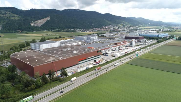 Im Herbst 2018 wurde mit dem Bau des neuen Lagers der Migros Verteilbetrieb Neuendorf AG begonnen.