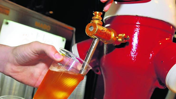 Alkoholverkauf Am Uhrencup 2008 wurde einem jugendlichen Testkäufer Bier verkauft. (mt)