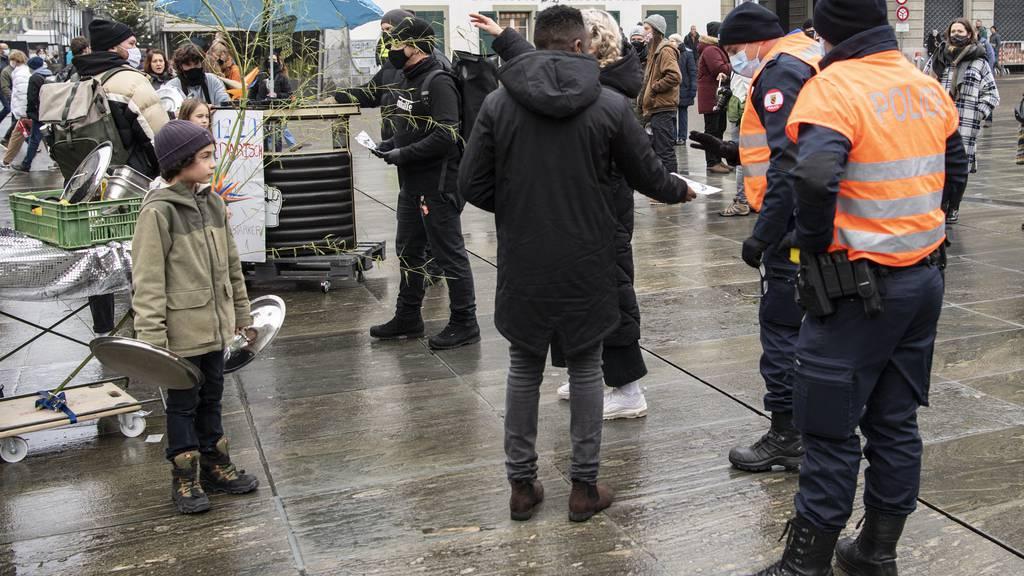 Berner Gastro-Szene demonstriert auf dem Bundesplatz