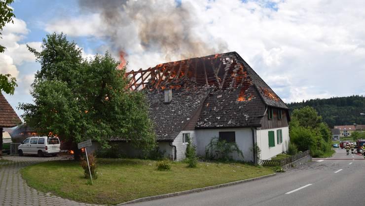 Am Pfingstmontag gegen 15 Uhr ist in Lüterkofen ein Brand ausgebrochen.