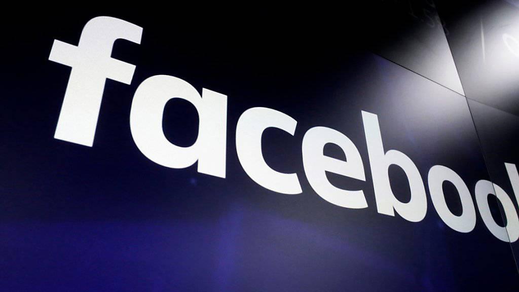 Der US-Internetkonzern Facebook spannt mit der deutschen TV-Gruppe ProSiebenSat.1 zusammen. Im Rahmen der Kooperation liefert Sendergruppe Inhalte für die Videoplattform Facebook Watch.(Archivbild)