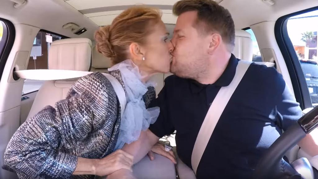 Céline Dion schmust mit James Corden in Vegas