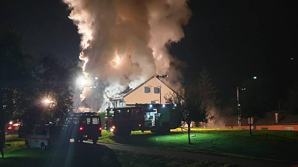 Zweifamilienhaus brannte lichterloh