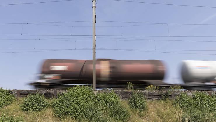 Zu viele Güterzüge mit technischen Mängeln sind in der Schweiz unterwegs. Das hat das Bundesamt für Verkehr bei Kontrollen festgestellt. (Themenbild)