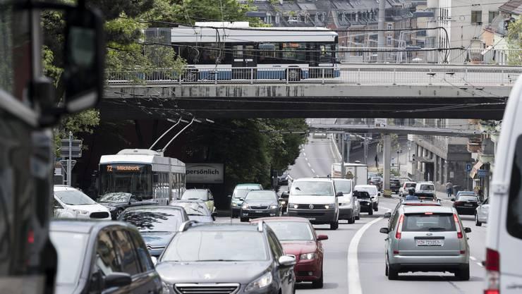 Projekt Rosengarten: Der Verkehr auf der Rosengartenstrasse soll zukünftig durch einen Tunnel rollen.
