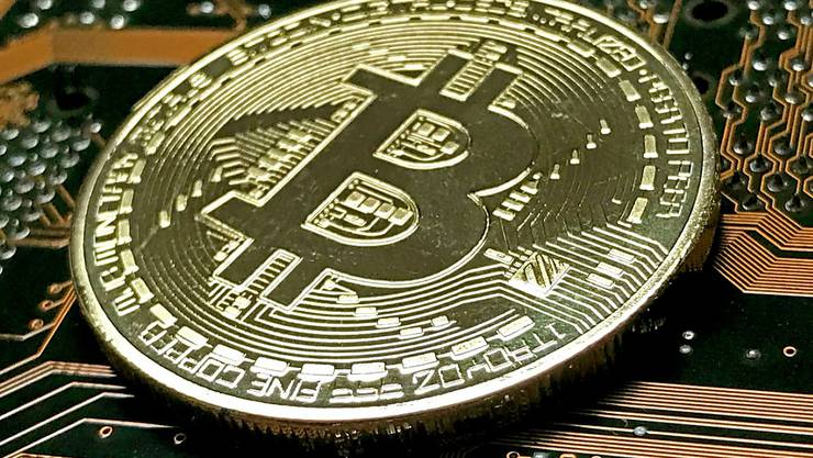 Die Schweiz, insbesondere der Kanton Zug, entwickelt sich zu einem Zentrum der Blockchain-Szene. Die Technologie dient als Grundlage für elektronische Währungen wie Bitcoin. (Symbolbild)