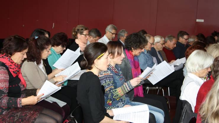 Singbegeisterte und Chormitglieder übeten zusammen einige Werke von Felix Mendelssohn ein