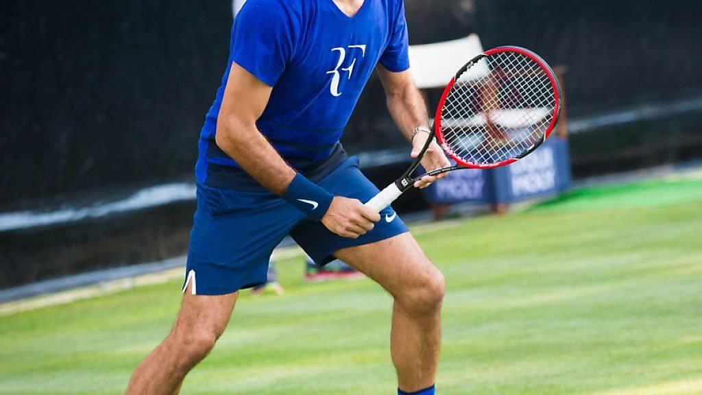 Roger Federer bei seinem Rasen-Training am Montag in Stuttgart
