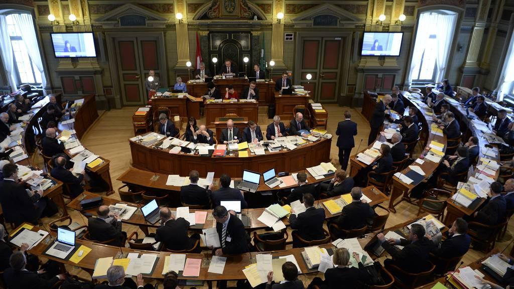 Der Kantonsrat wird an der Sitzung am Dienstag über eine Steuersenkung diskutieren.