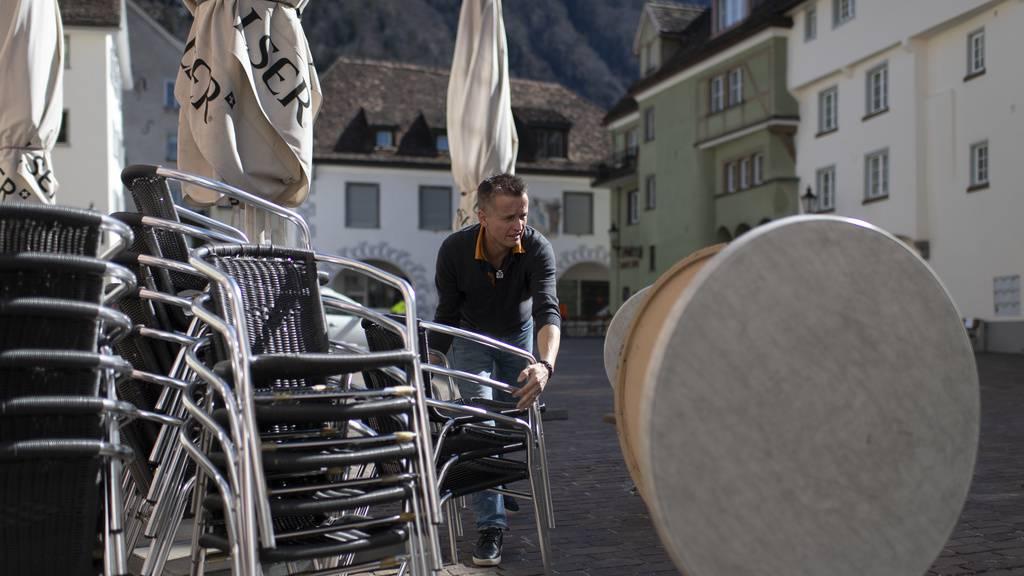 Die Gastrobetriebe in Graubünden müssen für 14 Tage schliessen.